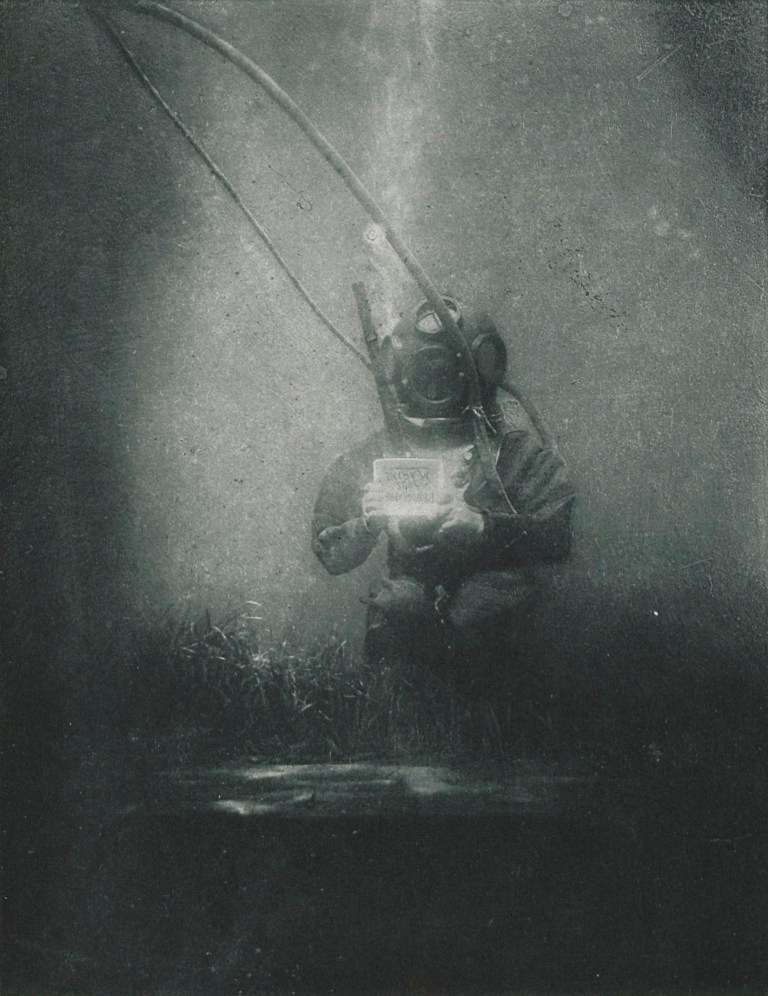 One of the first underwater shots, Louis Boutan. © Wikimedia Commons