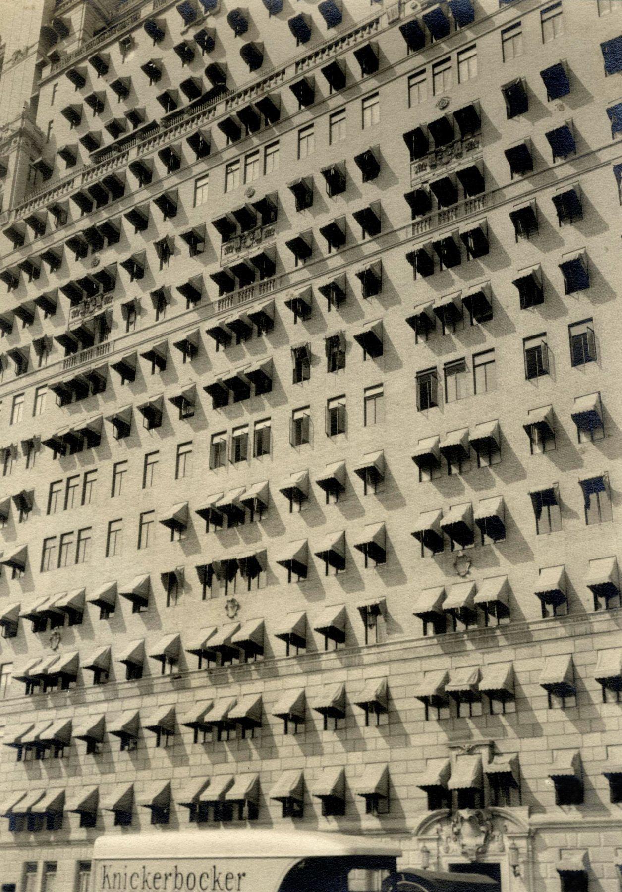 """""""Лето в Нью-Йорке"""" Бересфорд, 211 Центральный Парк Вест,"""