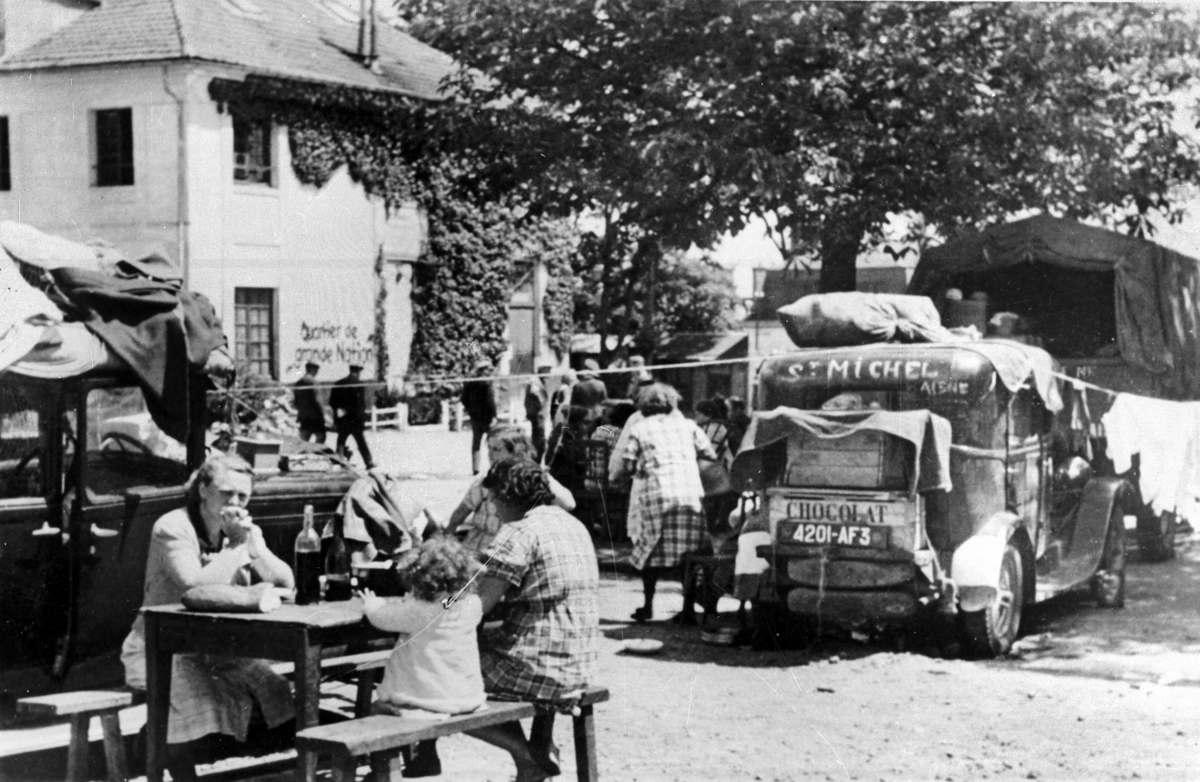 Война 1939-1945 гг. Исход. Беженцы в лагере. Рамбуйе (Ивелин), 1940